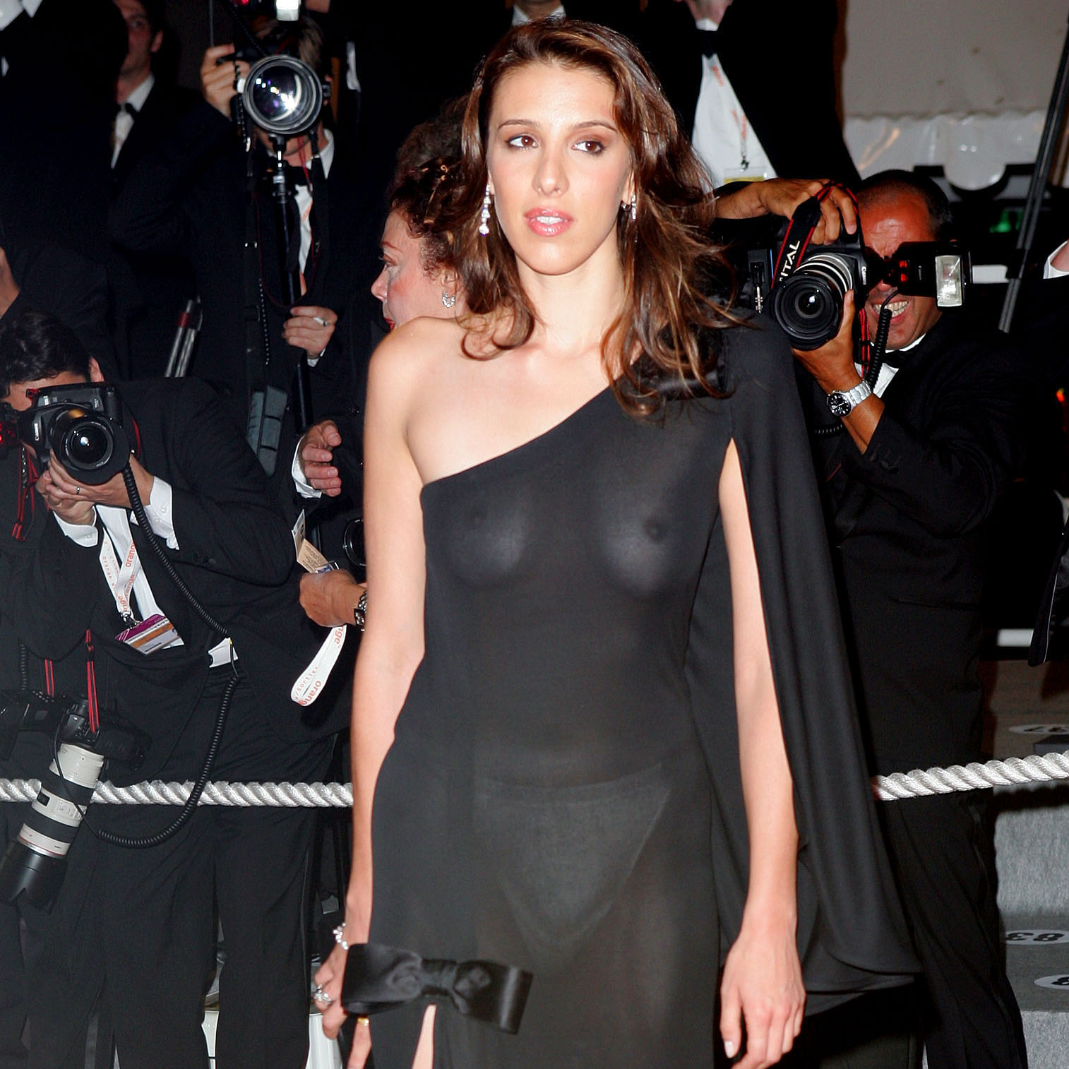 Alexandra Kerry accidentally displaying her boobs in her transparent dress in an award function